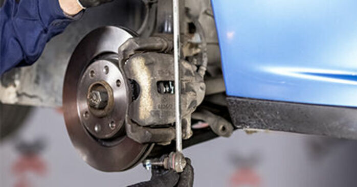 How to remove CITROËN C3 1.4 16V HDi 2006 Anti Roll Bar Links - online easy-to-follow instructions