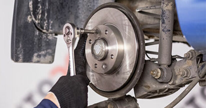 How to remove CITROËN C3 1.4 16V HDi 2006 Wheel Bearing - online easy-to-follow instructions