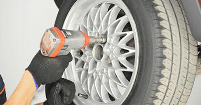 Wie schwer ist es, selbst zu reparieren: Radlager Opel Corsa S93 1.4 i 16V (F08, F68, M68) 1999 Tausch - Downloaden Sie sich illustrierte Anleitungen