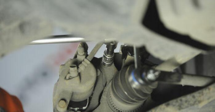 Udskiftning af Hjulleje på SUZUKI SWIFT III (MZ, EZ) 1.5 (RS 415) 2008 ved gør-det-selv