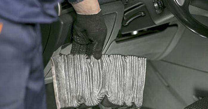 Jak trudno jest to zrobić samemu: wymień Filtr powietrza kabinowy w Peugeot 407 Sedan 2.0 16V 2010 - pobierz ilustrowany przewodnik