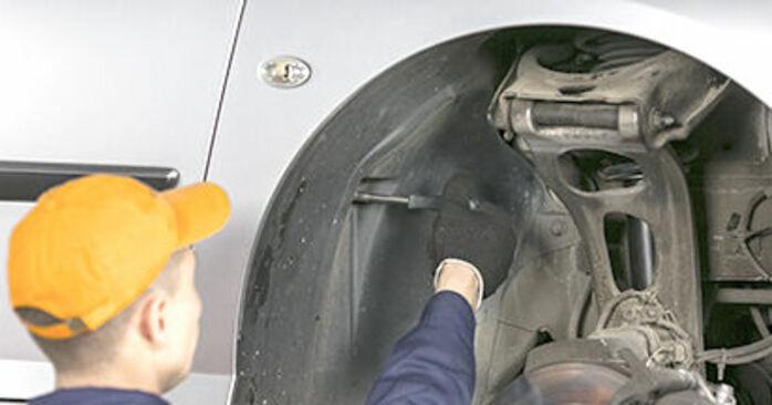Peugeot 407 Saloon 1.6 HDi 110 2006 Springs replacement: free workshop manuals