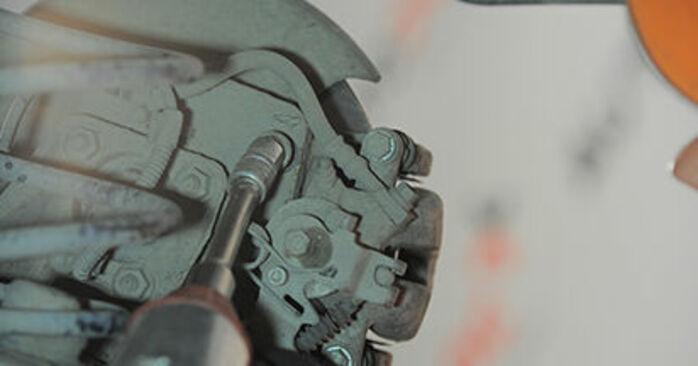 OPEL ASTRA 1.4 (L48) Tarcza hamulcowa wymiana: przewodniki online i samouczki wideo