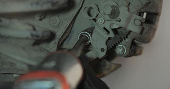 Wymiana Tarcza hamulcowa Opel Astra h l48 2004 - darmowe instrukcje PDF i wideo