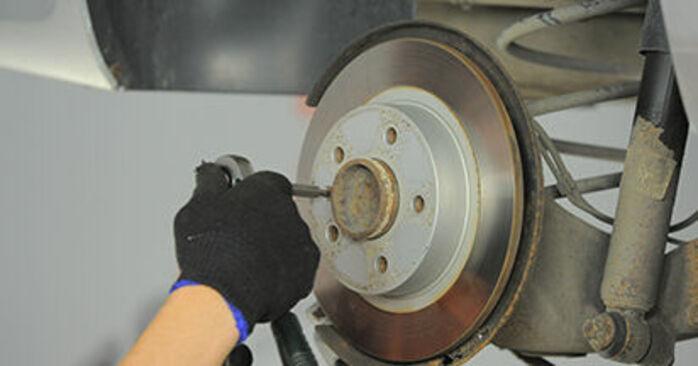 Wymień samodzielnie Tarcza hamulcowa w OPEL Astra H Hatchback (A04) 1.3 CDTI (L48) 2007