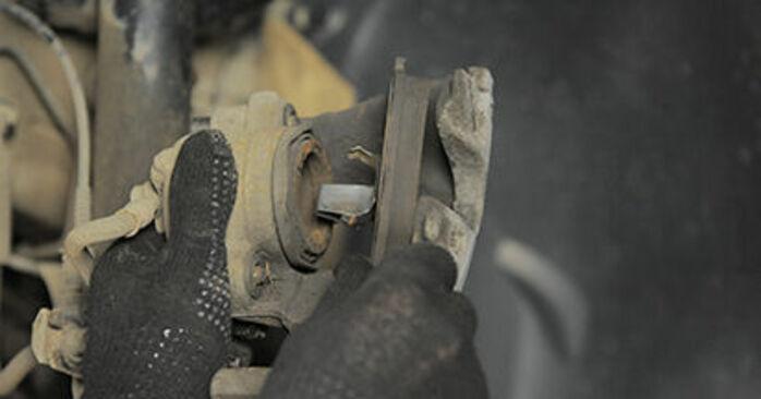 Αντικαθιστώντας μόνοι σας Τακάκια Φρένων στο Opel Astra h l48 2014 1.7 CDTI (L48)