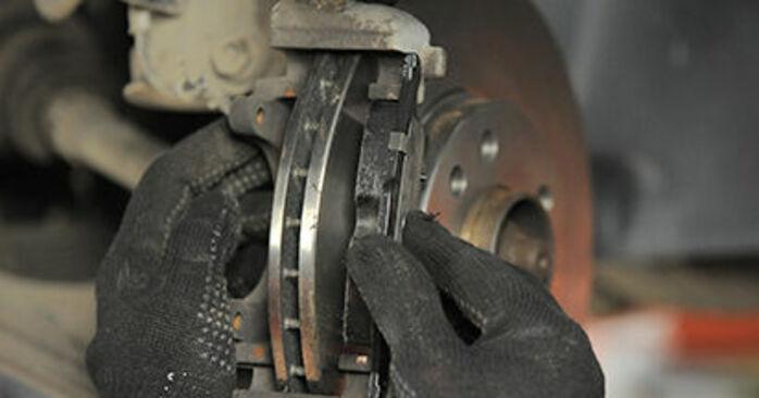 Πώς αλλαγη Τακάκια Φρένων σε OPEL Astra H Hatchback (A04) 2005 - συμβουλές και κόλπα