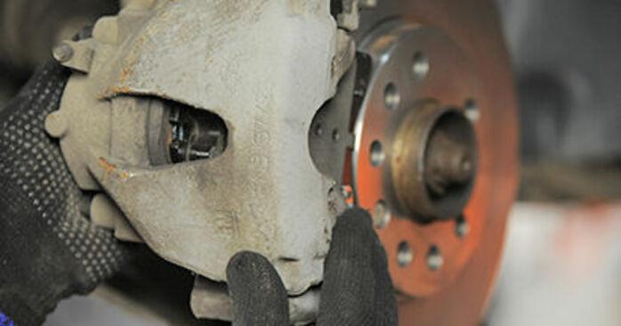 Sostituire Pastiglie Freno su OPEL Astra H Hatchback (A04) 1.4 (L48) 2007 non è più un problema con il nostro tutorial passo-passo