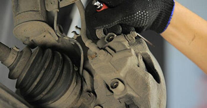 Πώς να αντικαταστήσετε Τακάκια Φρένων σε OPEL Astra H Hatchback (A04) 2009: κατεβάστε εγχειρίδια PDF και βίντεο οδηγιών