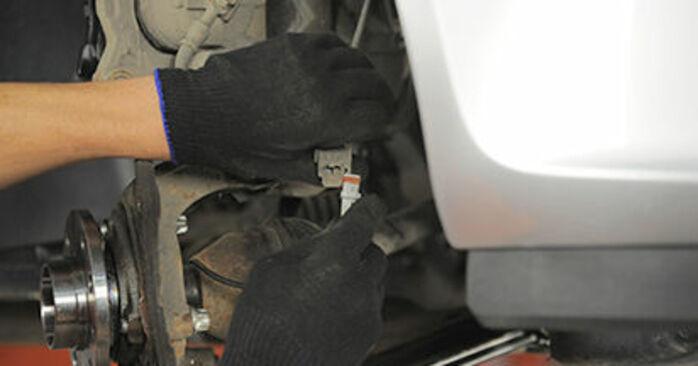 La sostituzione di Cuscinetto Ruota su Opel Astra h l48 2012 non sarà un problema se segui questa guida illustrata passo-passo