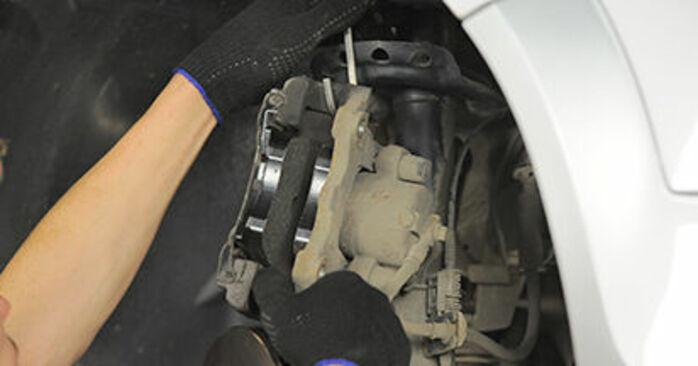Opel Astra h l48 1.6 (L48) 2006 Cuscinetto Ruota sostituzione: manuali dell'autofficina