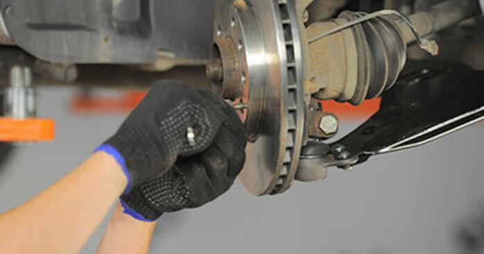 Quanto è difficile il fai da te: sostituzione Cuscinetto Ruota su Opel Astra h l48 1.7 CDTI (L48) 2010 - scarica la guida illustrata