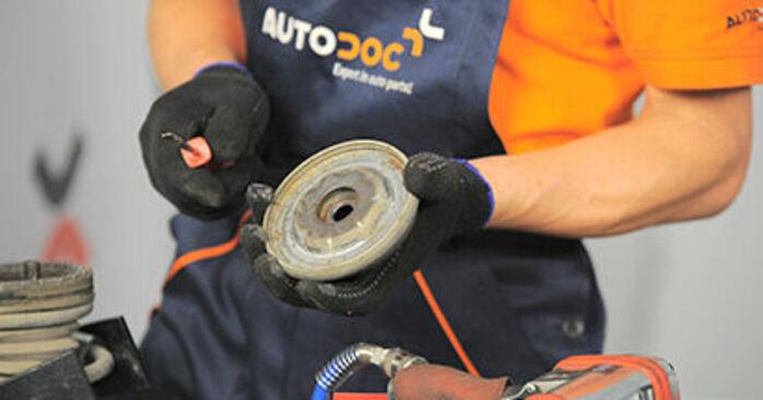 Opel Astra h l48 1.6 (L48) 2006 Tårnleje udskiftning: gratis værksteds manualer