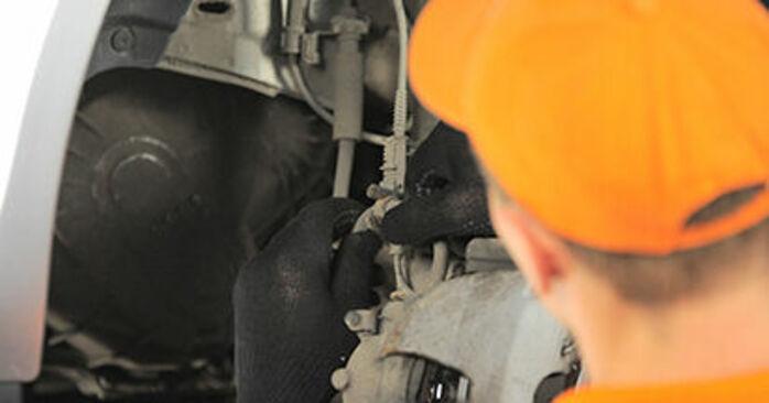 Ako vymeniť OPEL Astra H Hatchback (A04) 1.7 CDTI (L48) 2005 Horné Uloženie Tlmiča – návody a video tutoriály krok po kroku.