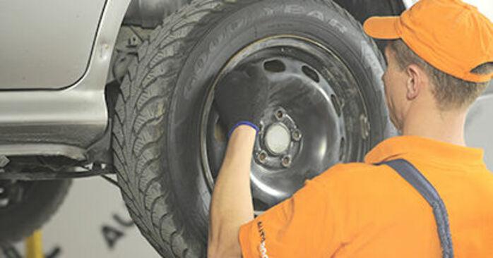 Tausch Tutorial Bremsbacken am SKODA OCTAVIA (1U2) 2008 wechselt - Tipps und Tricks
