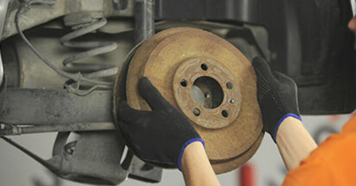 Changing Brake Drum on SKODA OCTAVIA (1U2) 1.8 T 1999 by yourself