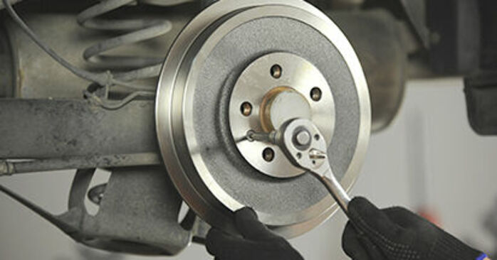 How hard is it to do yourself: Brake Drum replacement on Skoda Octavia 1u 1.9 TDI 2002 - download illustrated guide