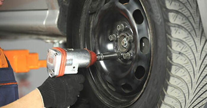 SKODA OCTAVIA RS 1.8 T Lozisko kolesa výmena: online návody a video tutoriály