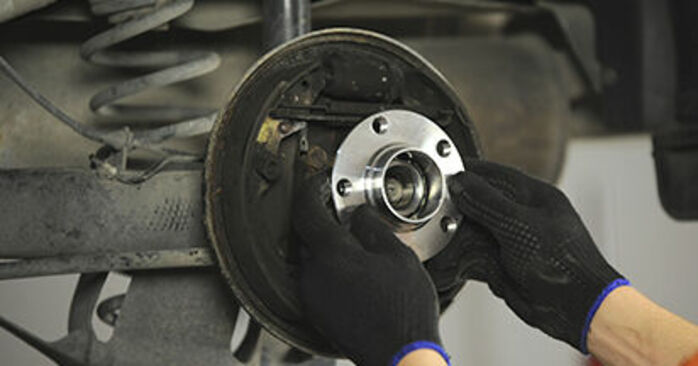 Changing of Wheel Bearing on Skoda Octavia 1u 2004 won't be an issue if you follow this illustrated step-by-step guide