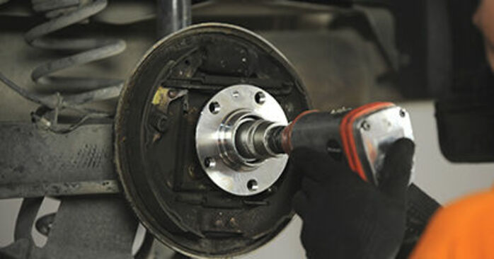 SKODA OCTAVIA RS 1.8 T Wheel Bearing replacement: online guides and video tutorials