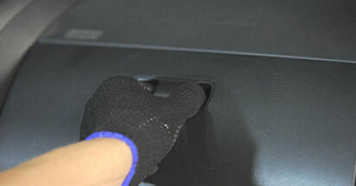 Πώς να αλλάξετε Φίλτρο αέρα εσωτερικού χώρου σε Honda Jazz gd 2001 - δωρεάν εγχειρίδια PDF και βίντεο οδηγιών