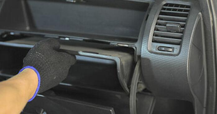 Jazz II Hatchback (GD_, GE3, GE2) 1.4 2004 Φίλτρο αέρα εσωτερικού χώρου εγχειρίδιο αντικατάστασης συνεργείου ΚΑΝΤΟ ΜΟΝΟΣ ΣΟΥ