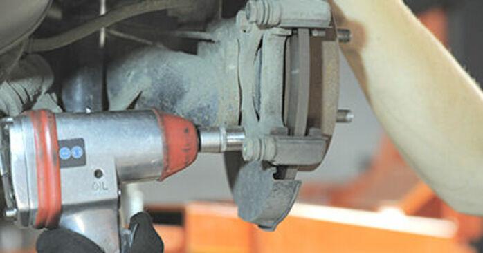 Wie schmierig ist es, selber zu reparieren: Radlager beim Honda Jazz gd 1.5 2007 wechseln – Downloaden Sie sich Bildanleitungen