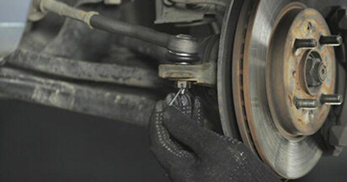Schritt-für-Schritt-Anleitung zum selbstständigen Wechsel von Honda Jazz gd 2006 1.4 Spurstangenkopf