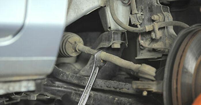 Spurstangenkopf beim HONDA JAZZ 1.5 EX 2008 selber erneuern - DIY-Manual
