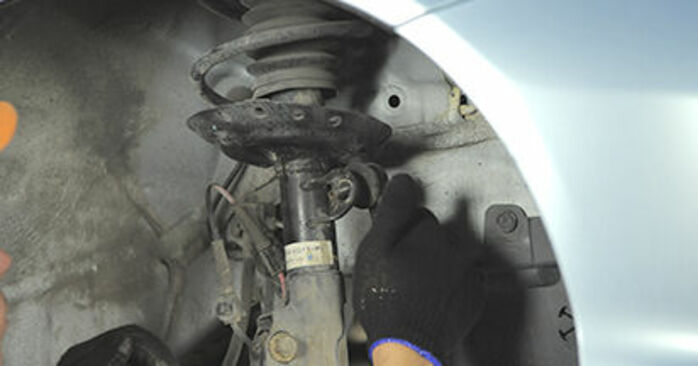 How to replace Strut Mount on HONDA Jazz II Hatchback (GD_, GE3, GE2) 2006: download PDF manuals and video instructions