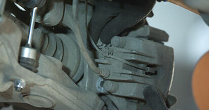 Byt Hjullager på BMW 5 Sedan (E60) 520i 2.2 2004 själv
