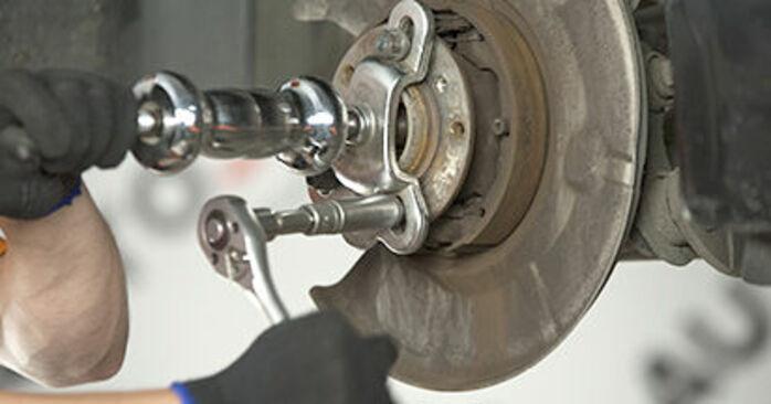 Byt Hjullager på BMW E60 2001 530d 3.0 på egen hand