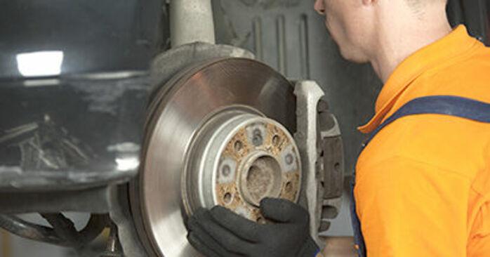 Domlager BMW E60 520d 2.0 2003 wechseln: Kostenlose Reparaturhandbücher