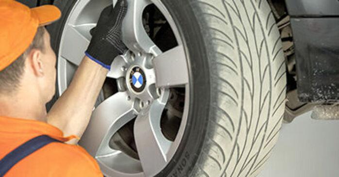Wie Querlenker BMW 5 Limousine (E60) 525d 2.5 2002 austauschen - Schrittweise Handbücher und Videoanleitungen