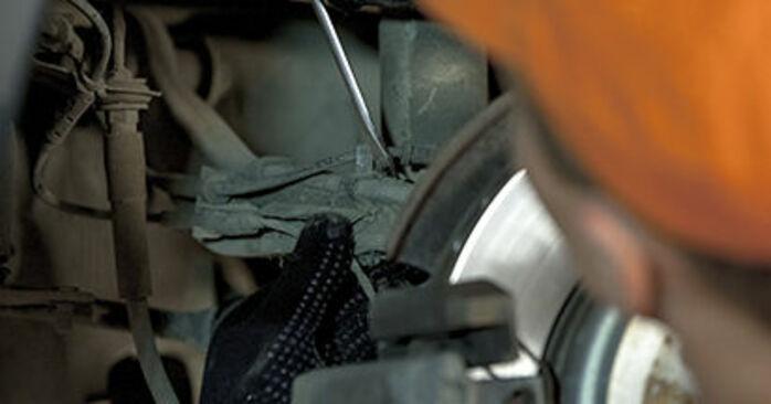 Wechseln Querlenker am BMW 5 Limousine (E60) 520i 2.2 2004 selber