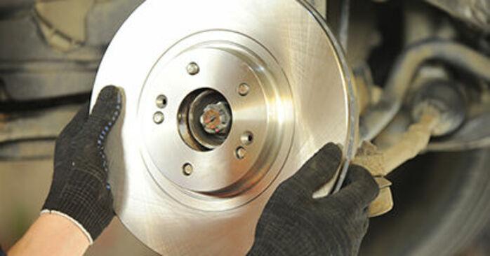Bremsscheiben beim HYUNDAI SANTA FE 2.2 CRDi 4x4 2012 selber erneuern - DIY-Manual