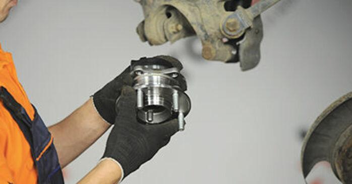 Stap voor stap tips om Hyundai Santa Fe cm 2010 2.2 CRDi GLS Wiellager zelf te wisselen