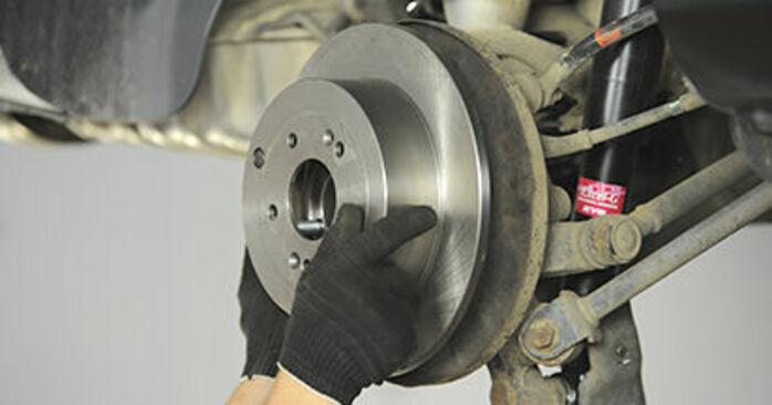 Hyundai Santa Fe cm 2.2 CRDi GLS 4x4 2007 Wiellager remplaceren: kosteloze garagehandleidingen