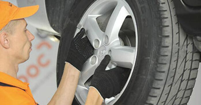 Så byter du HYUNDAI SANTA FÉ II (CM) 2.2 CRDi 4x4 2006 Hjullager – manualer och videoguider att följa steg för steg