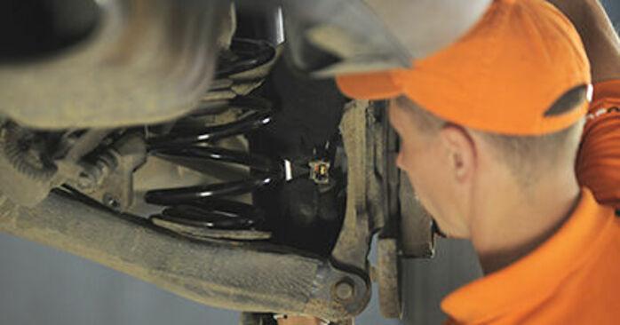 Så lång tid tar det att byta Hjullager på Hyundai Santa Fe cm 2005 – informativ PDF-manual