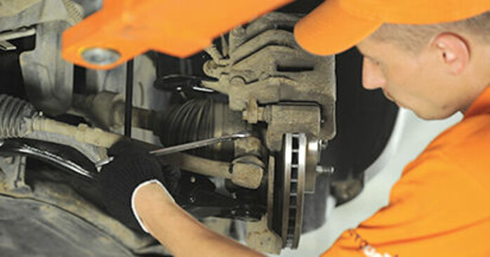 Hyundai Santa Fe cm 2.2 CRDi GLS 4x4 2007 Stuurkogel remplaceren: kosteloze garagehandleidingen