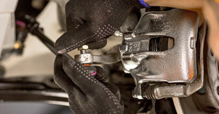 Wie schwer ist es, selbst zu reparieren: Spurstangenkopf Mercedes W201 E 2.3 (201.028) 1988 Tausch - Downloaden Sie sich illustrierte Anleitungen