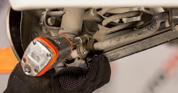 Querlenker Mercedes W201 D 2.0 (201.122) 1984 wechseln: Kostenlose Reparaturhandbücher