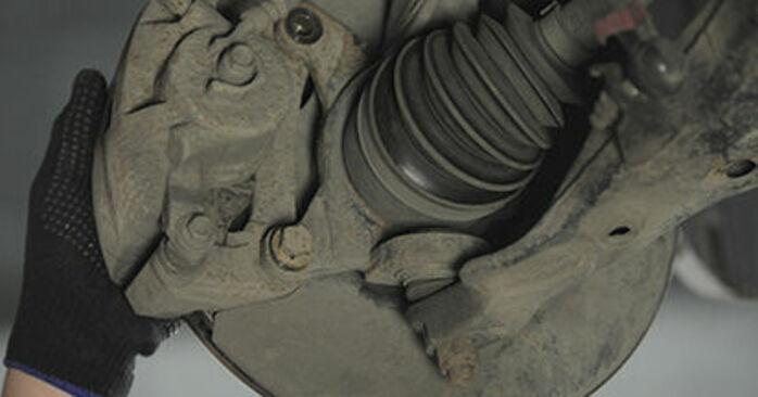 CR-V II (RD_) 2.4 2006 Brzdový kotouč svojpomocná výmena vďaka návodu z našej dielne