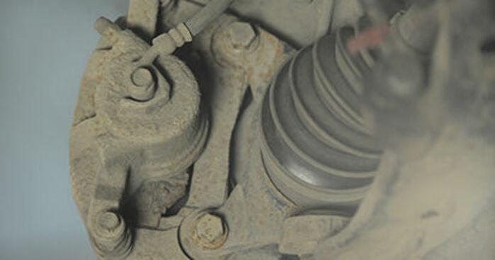 Ako vymeniť Brzdový kotouč na HONDA CR-V II (RD_) 2001 – tipy a triky