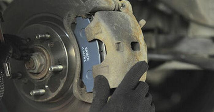 CR-V II (RD_) 2.4 2006 Brake Pads DIY replacement workshop manual