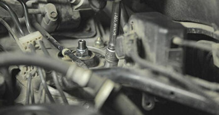 Austauschen Anleitung Domlager am Honda CR-V II 2005 2.0 (RD4) selbst