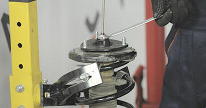 Domlager Honda CR-V II 2.0 2003 wechseln: Kostenlose Reparaturhandbücher