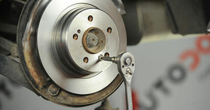 Bremsscheiben Ihres Mercedes W210 E 230 2.3 (210.037) 2003 selbst Wechsel - Gratis Tutorial