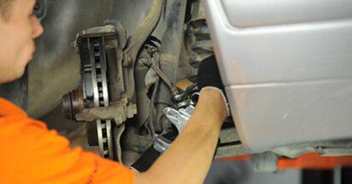 Zweckdienliche Tipps zum Austausch von Bremssattel beim MERCEDES-BENZ E-Klasse Limousine (W210) E 200 2.0 (210.035) 2000